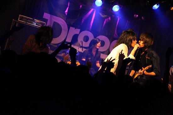 【ライヴレポート】Drooog、愛と狂気に溢れた下北ライヴ!!_e0197970_2227453.jpg