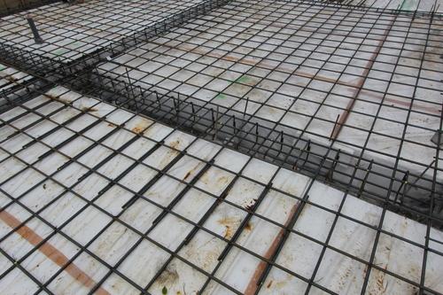 八幡田の家:基礎コンクリートを打設_e0054299_929781.jpg