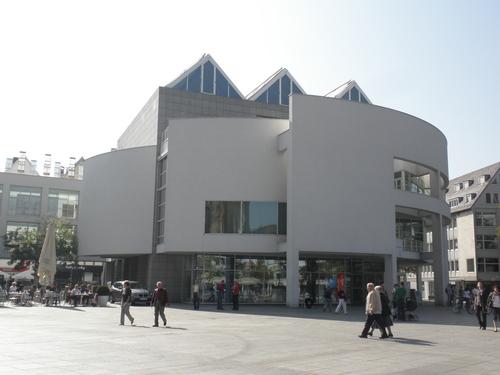 ミュンヘン工科大のスタジオ_a0232235_0564762.jpg