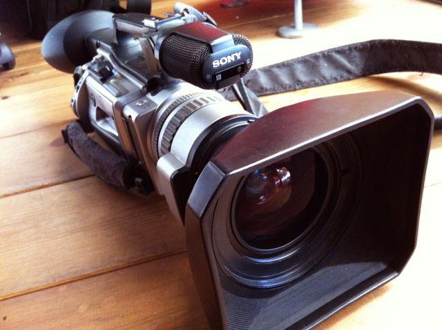 長年愛用してたCanon-F1をSONY-VX2000で撮る_e0069646_9114614.jpg