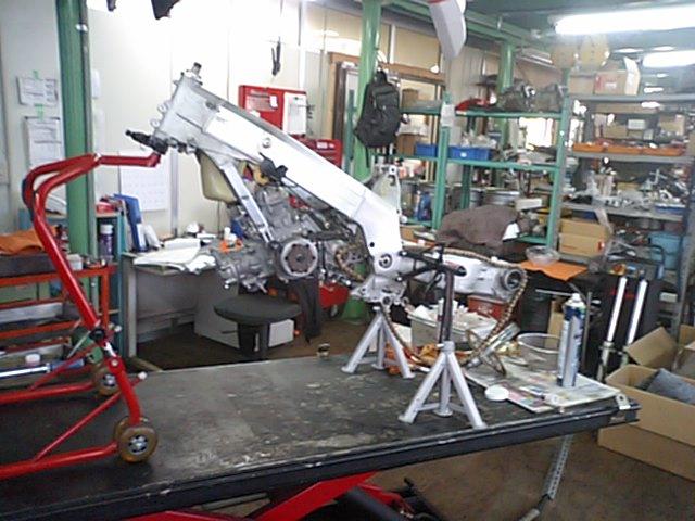MC28車体整備!!_e0114857_2343864.jpg