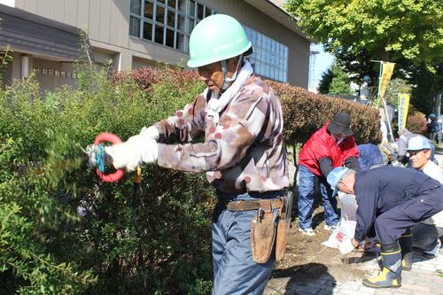 10月第三水曜日はシルバーの日!シルバー人材センターが清掃奉仕活動_f0237658_14294134.jpg
