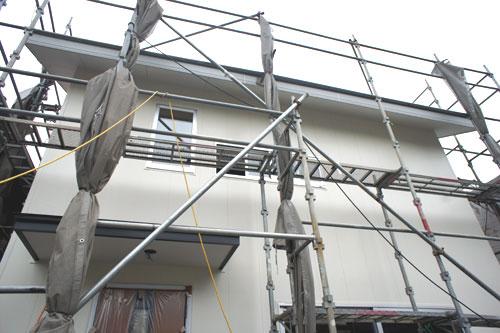 外壁と軒裏と雨といの色_b0155675_16312797.jpg