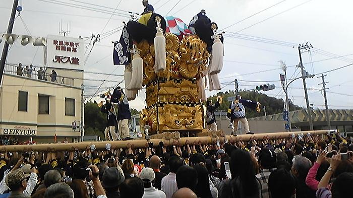 愛媛県新居浜市に続く伝統の「男祭り」 「日本一の喧嘩祭り」_c0186691_16122365.jpg