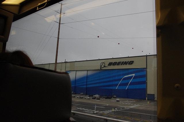 ボーイング工場見学!_e0161692_015056.jpg