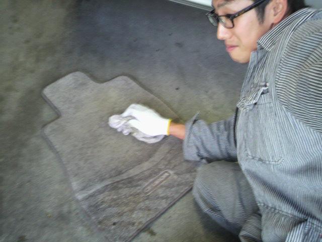 ランクル TOMMY札幌店 10月20日 本日の納車準備☆_b0127002_21244682.jpg