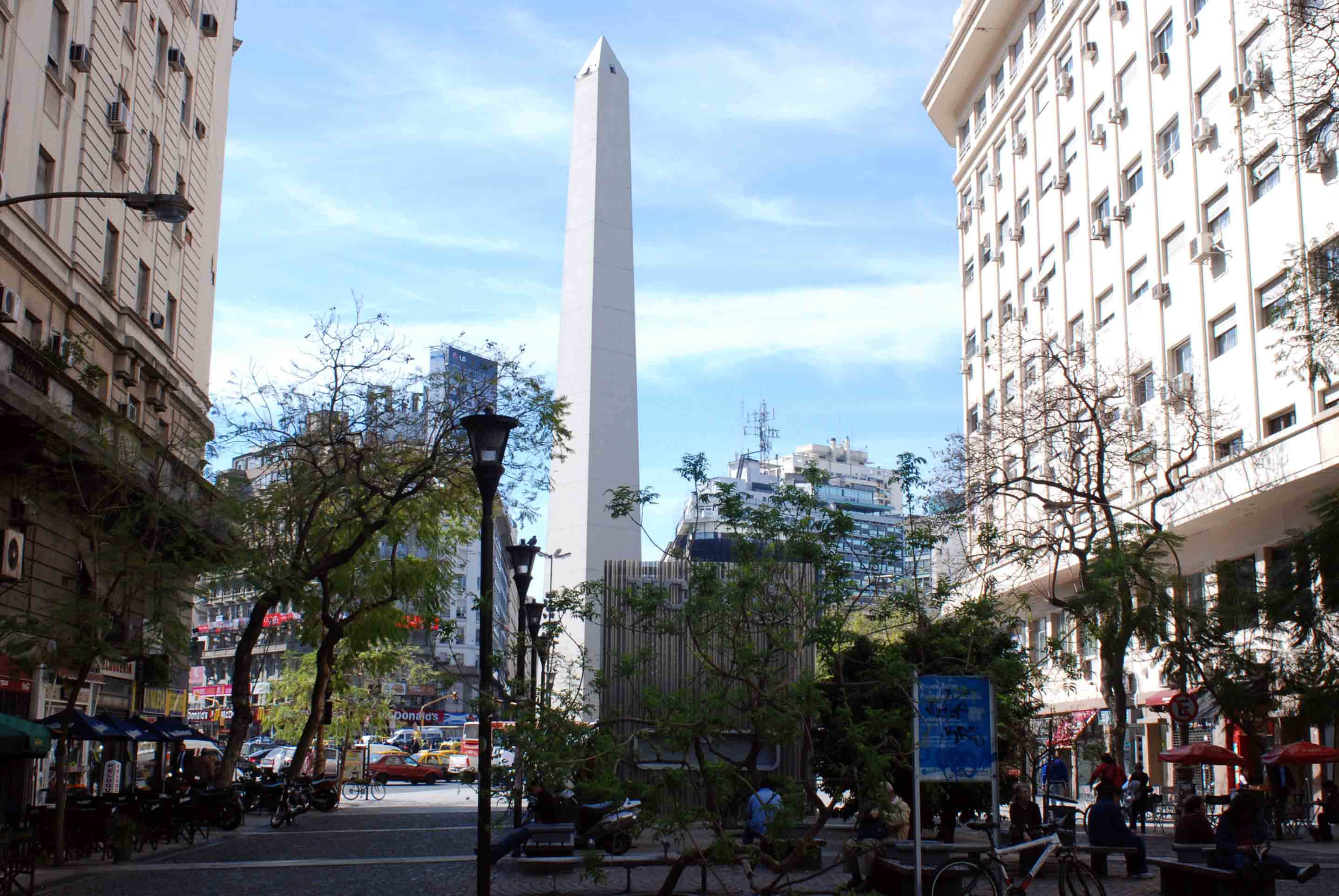 ブエノスアイレスで見かけた DIN Next_e0175918_12523475.jpg