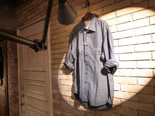 定番シャンブレーシャツ_a0222424_23393743.jpg