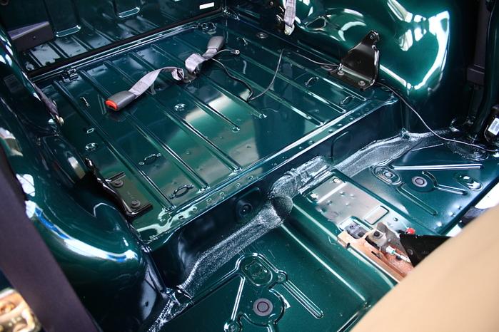 店頭車両 グリーンのスポーツ_f0105425_17473770.jpg