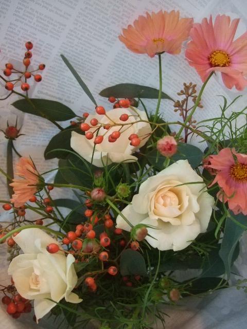 オークリーフ(秋薔薇と実物の花束)_f0049672_11133797.jpg