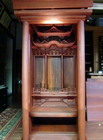 金沢仏壇の制作 その5 木地固め 2011.10.19_c0213599_024675.jpg