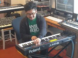 LIVE♬ ケイタイモ(bass-WUJA BIN BIN/BEAT CRUSADERS) 中村圭作(Piano,key-木村カエラband)と_b0032617_14142066.jpg