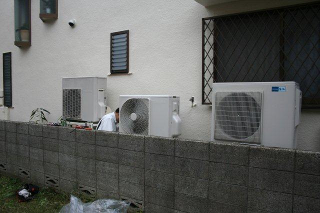 ガス式2室マルチエアコンを2組入替 その1(東京都西東京市)_e0207151_17472341.jpg