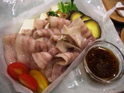 10/21晩ごはん:豚バラ肉と豆腐・野菜蒸し_a0116684_1843118.jpg