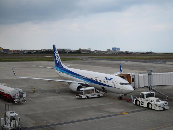 ANA 伊丹空港 ボーイング737-800_d0202264_22473891.jpg