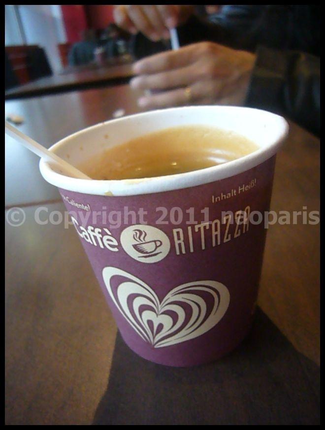 【空港のキャフェ】10月18日CDG2-ROISSY(PARIS)_a0014299_22362598.jpg
