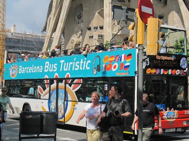 観光地へはツーリストバスに乗って♪①サグラダ・ファミリア_d0133225_1174149.jpg