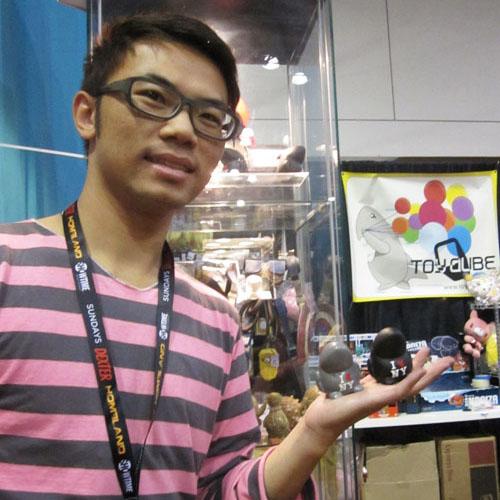 ToyQubeモノ、発売。_a0077842_16535750.jpg