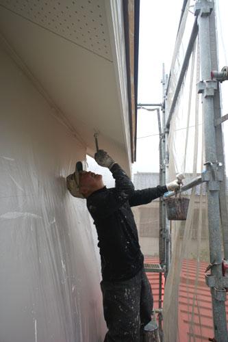 軒裏の塗装_b0155675_22435973.jpg