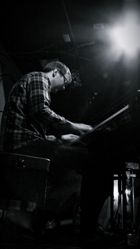 The Core featuring Jonas Kullhammar (ザ・コア フィーチャリング ヨナス・クルハマー) - ライヴ写真_e0081206_1094433.jpg
