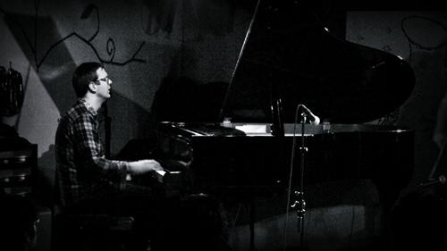 The Core featuring Jonas Kullhammar (ザ・コア フィーチャリング ヨナス・クルハマー) - ライヴ写真_e0081206_1095647.jpg
