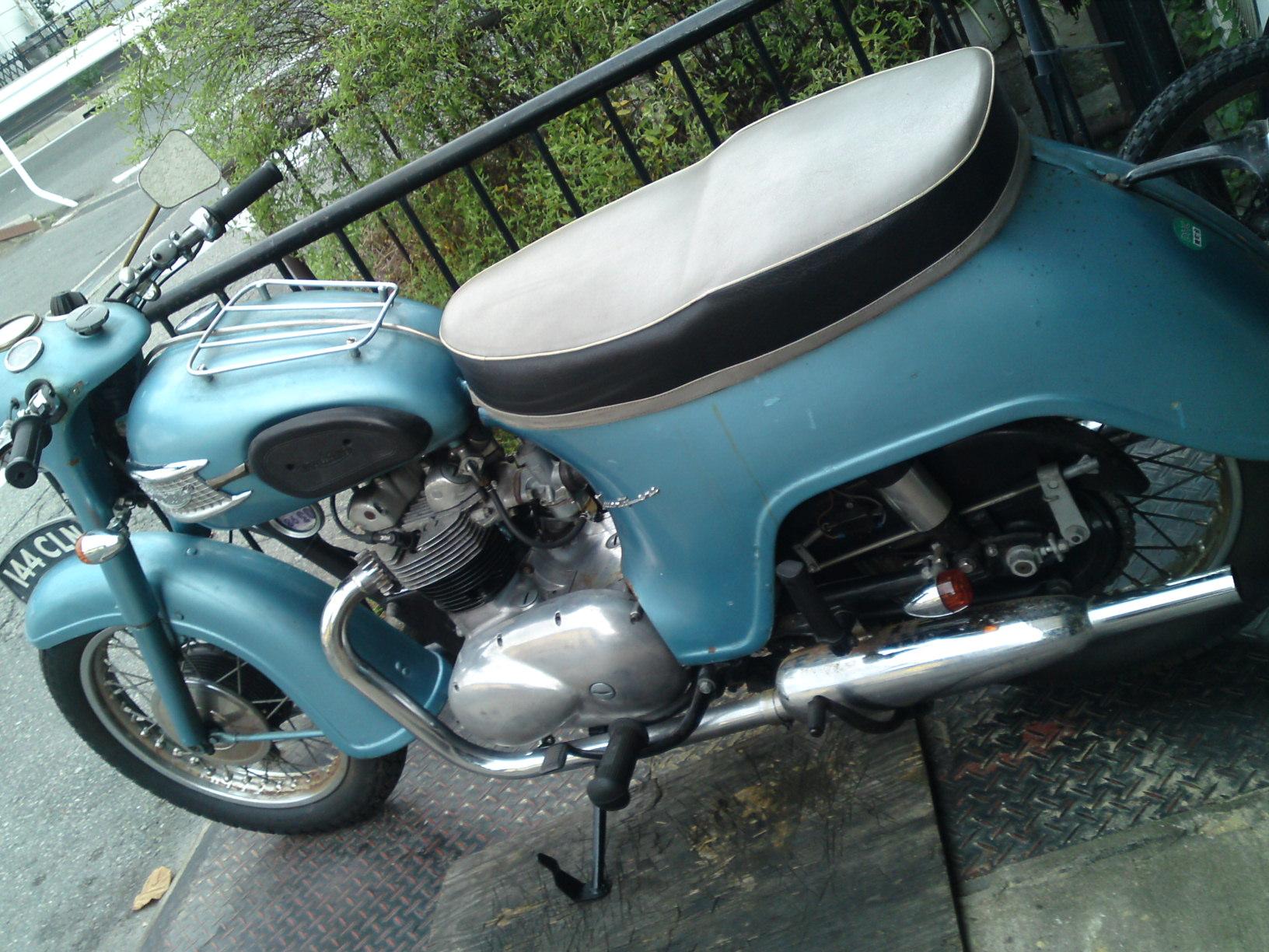 1961 Triumph 3TA_b0153544_1332110.jpg