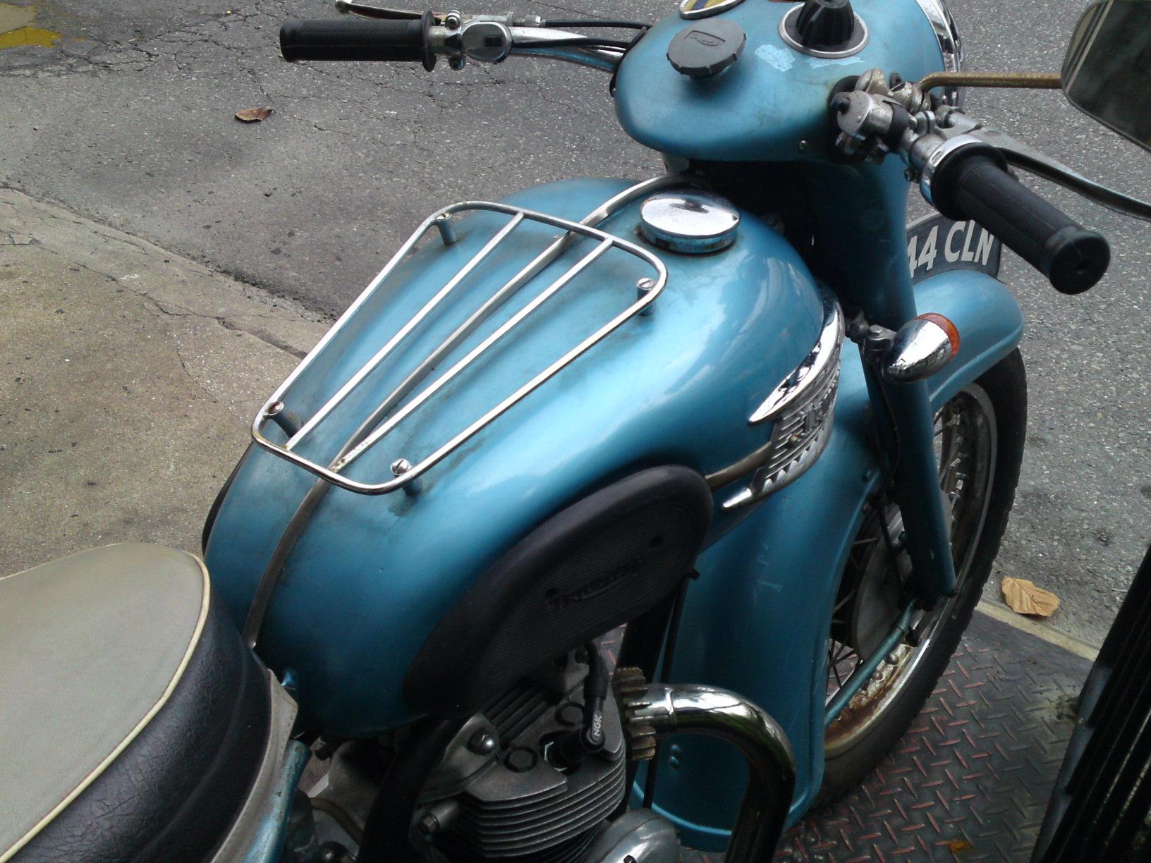 1961 Triumph 3TA_b0153544_1332190.jpg
