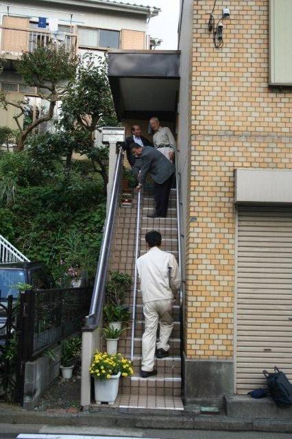 階段昇降機設置&エクステリア改修(神奈川県横浜市)_e0207151_8524916.jpg