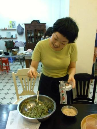オオタナナエさんの仙台芋煮食堂_d0162535_1654386.jpg