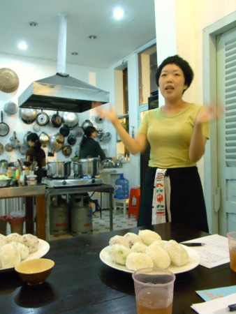 オオタナナエさんの仙台芋煮食堂_d0162535_17145589.jpg