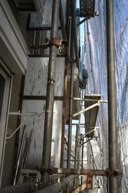 アパートの塗装が始まりました(東京都杉並区)_e0207151_17121580.jpg