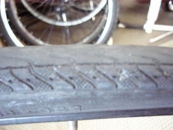 ビアンキのタイヤ交換 _e0140354_17285772.jpg