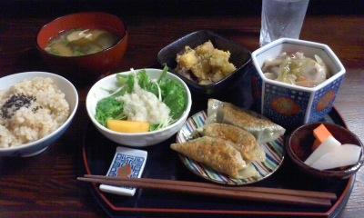 ベジタリアンレストラン「SUJATA」_f0103760_17155136.jpg