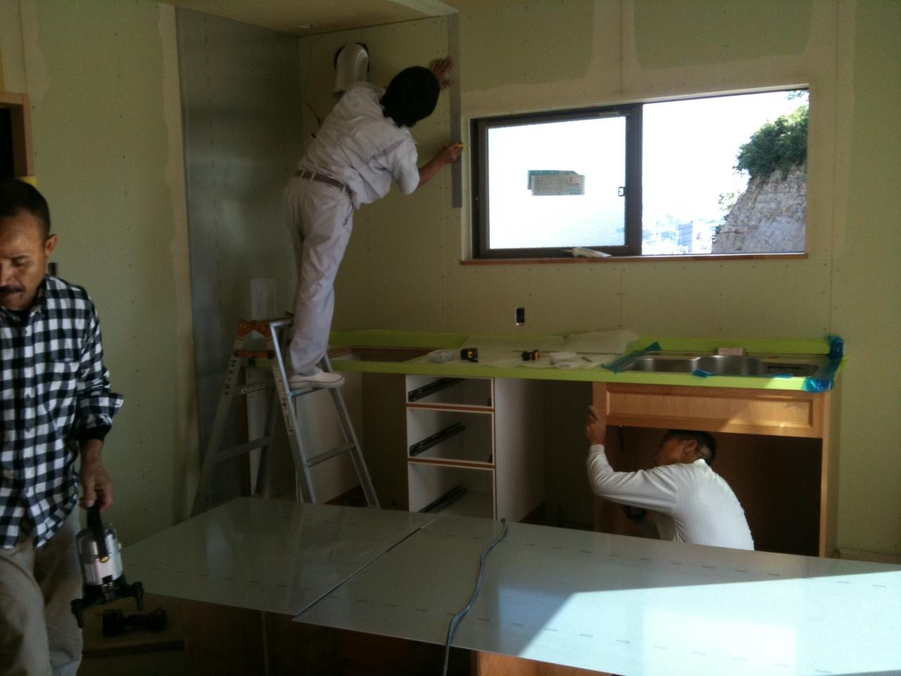本日、キッチン工事です。_b0120583_1356517.jpg