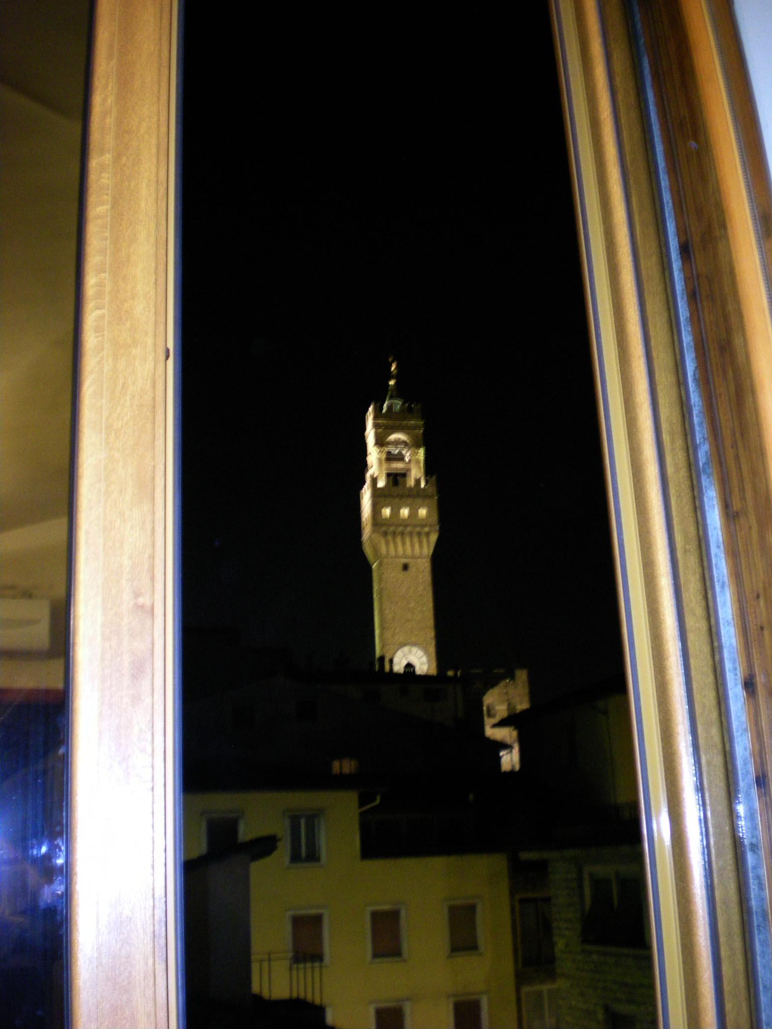 窓からこんな景色が見えるフィレンツェのプチホテル★_c0179785_538317.jpg
