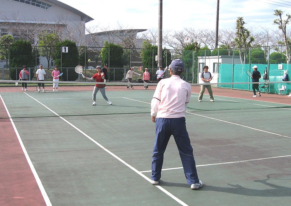 シニアテニスクラブの練習会に参加_b0114798_1724472.jpg