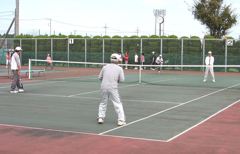 シニアテニスクラブの練習会に参加_b0114798_17251438.jpg