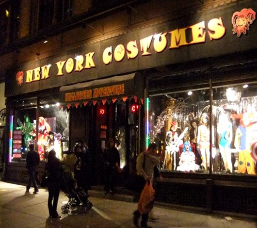 NY No1の仮装グッズ専門店 New York Costumes_b0007805_2346811.jpg