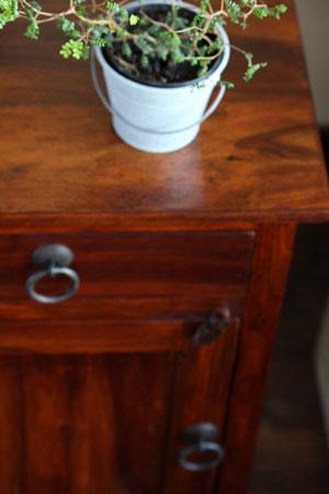 bedside cabinet_c0118809_17493657.jpg