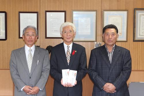 甲東中学校「学田委員会」が収穫したお米を寄附_f0237658_10421783.jpg