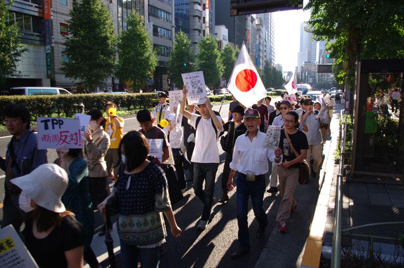 10・16 新宿TPP拒否国民デモ - 2011.10.16_a0222059_1113624.jpg