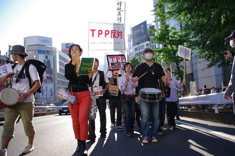 10・16 新宿TPP拒否国民デモ - 2011.10.16_a0222059_1114132.jpg