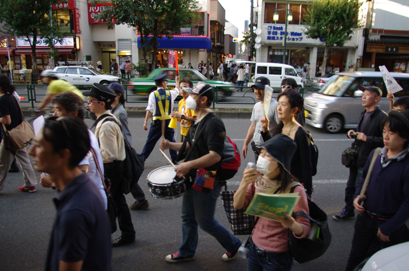 10・16 新宿TPP拒否国民デモ - 2011.10.16_a0222059_1153028.jpg