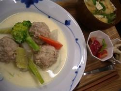 10/27晩ごはん:チキンボールのクリーム煮_a0116684_18481061.jpg