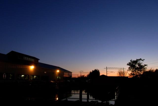 Sunset Time._c0067646_0563975.jpg