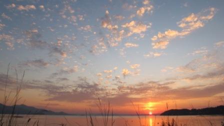 日はまた昇り、繰り返す。_c0211761_8315128.jpg