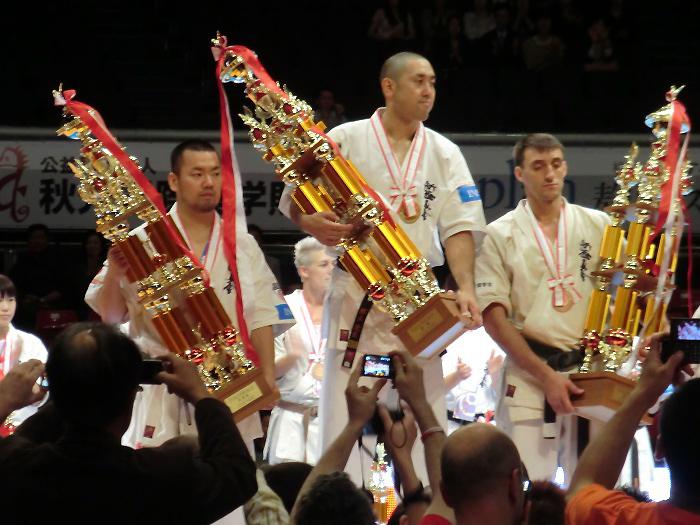 塚本徳臣選手と将口恵美選手、史上初の男女ダブル優勝おめでとう!_c0186691_13181799.jpg
