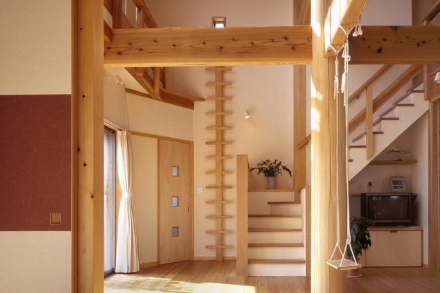 2階建てなのに階段がない家_e0145995_1848956.jpg
