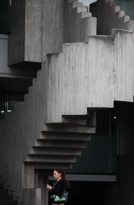 リズミカルな階段_f0055131_8124066.jpg