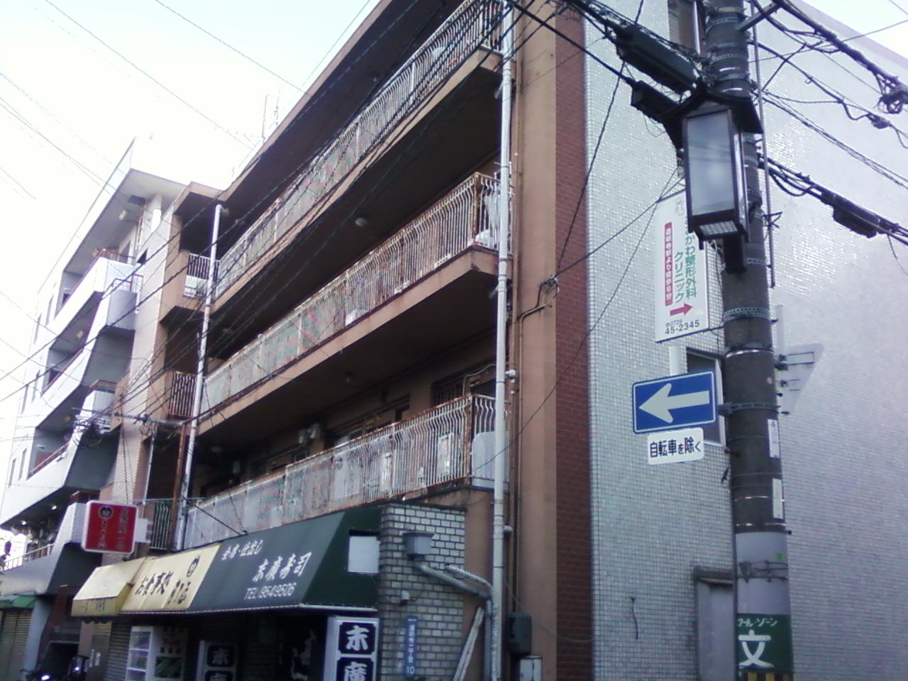 まるで新築100万円_d0106237_1894522.jpg